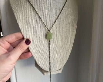 Simple Jade and Feather Charm Antique Gold Necklace