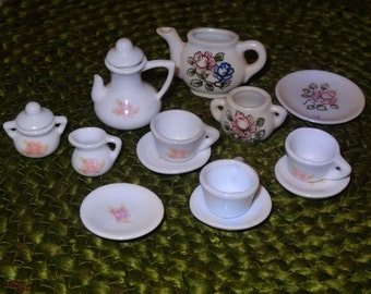 Miniature Dishes / Dollhouse Dishes