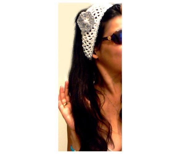 Chic crochet beach headband. Boho crochet flower headscarf. Vintage headwrap. White, silver headwrap. Women crochet wrap-Crochet accessories