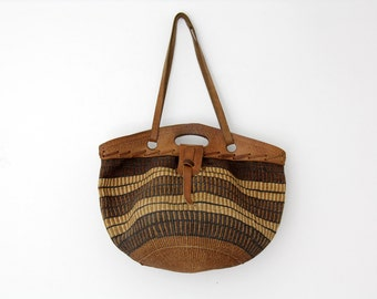 Vintage tote // Large rustic woven straw and leather market purse