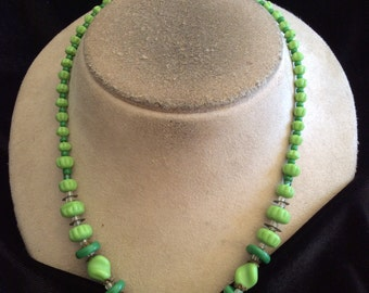 Vintage Graduated Shades Of Green Glass Beaded Necklace