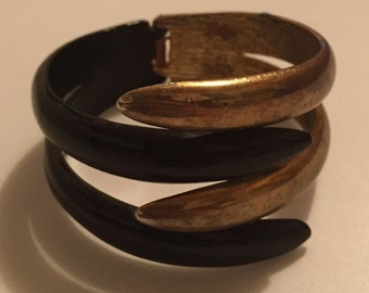 x Vintage Black and Gold Heavy Cuff Bracelet (#2)