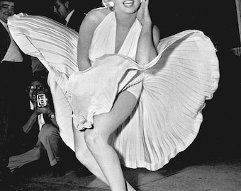 Marilyn Monroe: The Seven Year Itch in September 1954, Famous Dress Photo