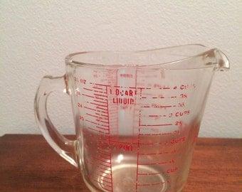 Vintage Pyrex Measuring Cup 1 Quart 4 Cups 32oz.