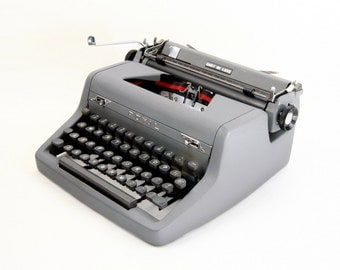 Royal Quiet De Luxe Manual Typewriter - Reconditioned and Working - Gray Typewriter - Excellent Condition