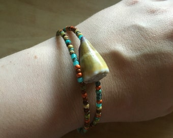Hawaiian shell and glass beads bracelet on a stainless steel memory wire