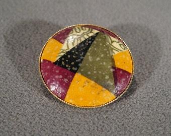 Vintage Jewelry Yellow Gold Tone Decoupage Pin Brooch Pendant    KW46