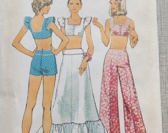 Misses' Lined Cropped or Midriff Top and Skirt or Pants in Size 14 Complete Vintage 1970s Simplicity Sewing Pattern 5697