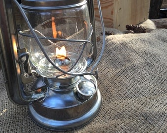 Vintage Kerosine Outdoor Lamp Old Lantern Retro Lighting Camping Nostalgic Iron Travel Lights
