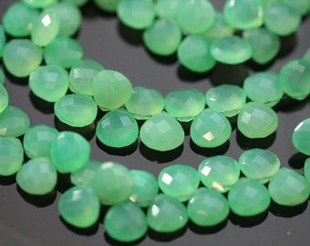 Chrysoprase Green Chalcedony Faceted Heart Briolettes, 9 - 10 mm, 6 beads GM0705FH/10/6 #383