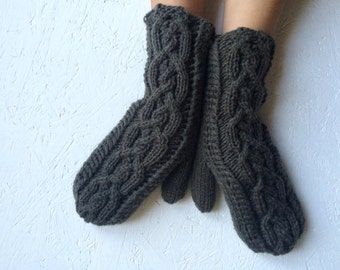 Knitted green women knitting  Gloves with Cable, Woman mittens Handmade gloves winter gloves winter accessories arm warmer ready to ship