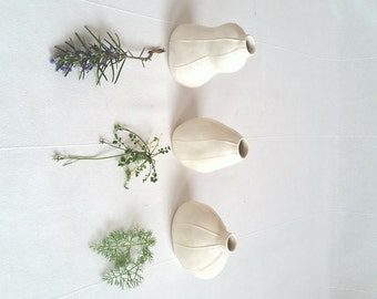 Wedding vases. Set of 3 ceramic shapes. Minimalist style, Valentines day gift. Bridesmaid gift. Winter white home decor