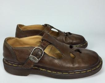 Size UK 5 / US 7 - Vintage Dr. Martens - Polley T-bar Mary Jane Shoe