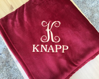 Personalized Embroidered Plush Throw Blanket / Grandparents/Teachers/Newlyweds/ College Students/ Teenagers