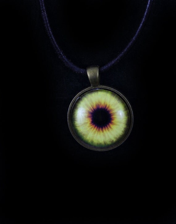 eyeball eye pendant necklace jewellery steunk