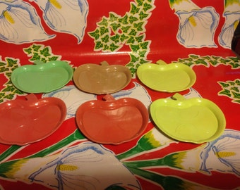 Vintage set of 6 plastic apple coasters- A Rogers Product USA