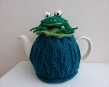 Tea cosy to fit a 2  pint tea pot. This frog on a Lilypad  tea cosy would make  a great gift.