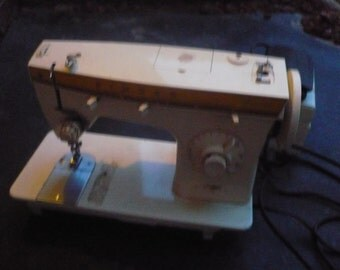 Vintage Singer Fashion mate 360 Sewing Machine and Foot Pedal With Extras. Made in Italy
