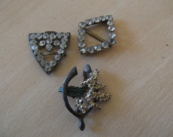two scarf clips and lucky beather / wishbone brooch