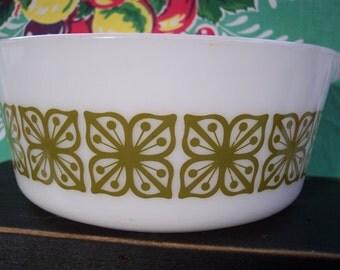 Pyrex Square Flowers (Verde) Cinderella Round Casseroles – Verde Green on White – 475-B – 2 1/2 Quart Casserole