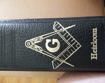 Vintage Masonic Family Bible like new
