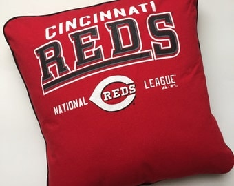 One of a Kind Upcycled TShirt Pillow Case or Pillow Cover / Cincinnati Reds Baseball