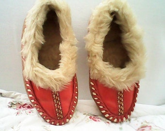 VINTAGE CHILD MOCASSINS Slippers