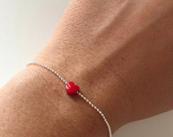 Bracelet with silver chain and pendant with dots mini heart full red