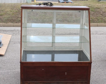 Antique/vintage store Display case-48""