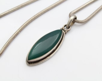 "Bohemian Oval Pendant of Green Onyx in Sterling Silver 19"" Chain 21g. [7607]"