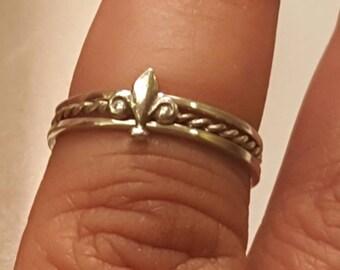 Fleur-de-lis miniature stacking rings /Sterling silver set of 3 Fleur de lis