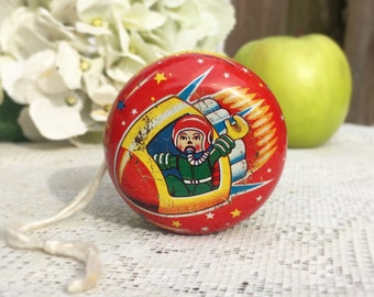 Mid century Space Shuttle Rocket Tin Litho Yo-yo, Space age, Toy, red, Astronaut, Spaceship, Japan, home décor, decorative display, retro