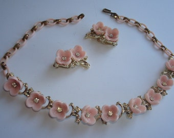 1940'S  Pink and Rhinestone Chocker Necklace Set Signed Trifari
