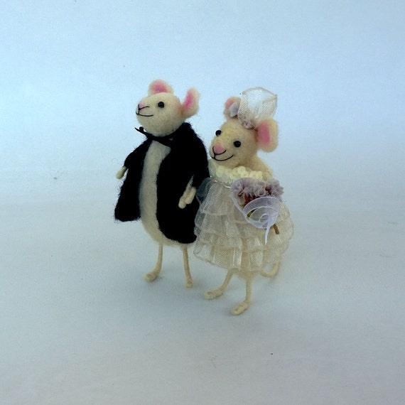 mice wedding cake toppers wedding cake topper mice groom and mouse in 17333