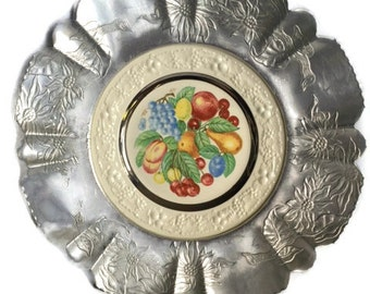 Homer Laughlin-Eggshell Theme-Aluminum Framed Plate-Made in USA-E 45 N 5-Farber and Shlevin Inc-Brooklyn, NY-Decorative Fruit Plate