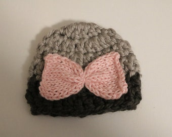 Grey baby beanie with pink bow
