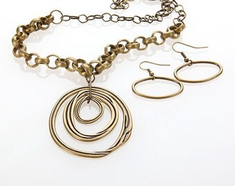 CLEARANCE 50% Necklace and Earring Set