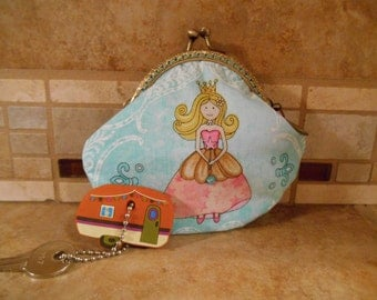 Fabric Coin Purse with Princess Print & Kiss Clasp