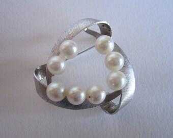 1960s modernist fresh water pearl brooch