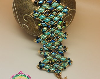 Tutorial to create the Minerva bracelet with Diamond Duo Beads, O Beads, Bicone and  Seed Beads. Weaving Beads.