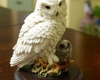 Owl; Resin Figurine; Aprox. 3 x 4 in. Stratford-Upon-Avon; England !!!