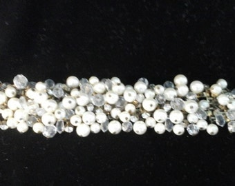 Vintage beaded and rhinestone braceletwith swing clasp