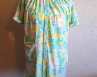 Vintage American 1960's floral house coat robe