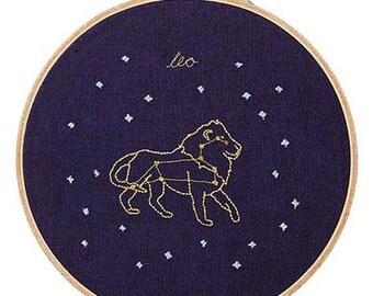 Leo (23 luglio - 22 agosto) ricamo dello zodiaco
