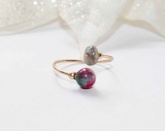 Fine gold filled ring with jade and labradorite stones