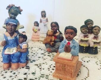 Lot of 18 African American FOLK Figurines