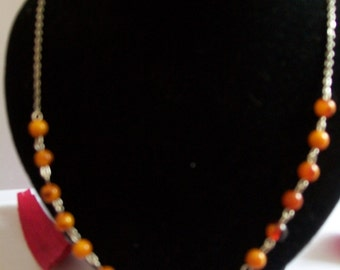 Necklace with genuine amber beads
