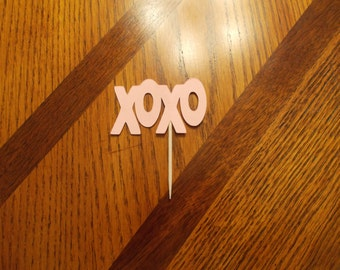 12 XOXO Cupcake Toppers! Great for Wedding/Bridal Showers!