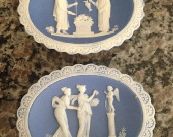 Pair of Grecian White Silhouette Figures on a Blue Background Dishes