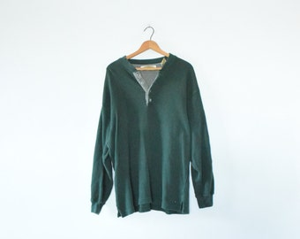 SIMPLE HENLEY SHIRT // size mens x large // 90s // long sleeve // minimal // forest green // outdoors // buttons // vtg / classic / vintage!